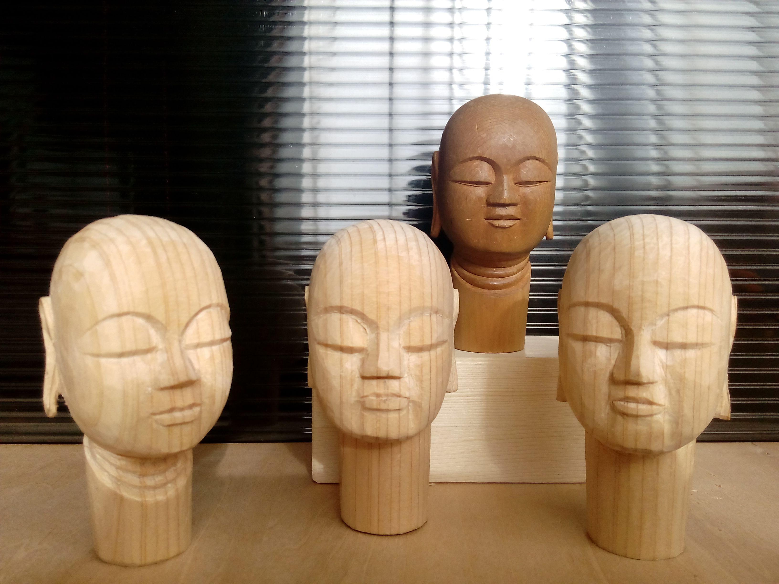 久々のスクールで仏頭を彫りすす...