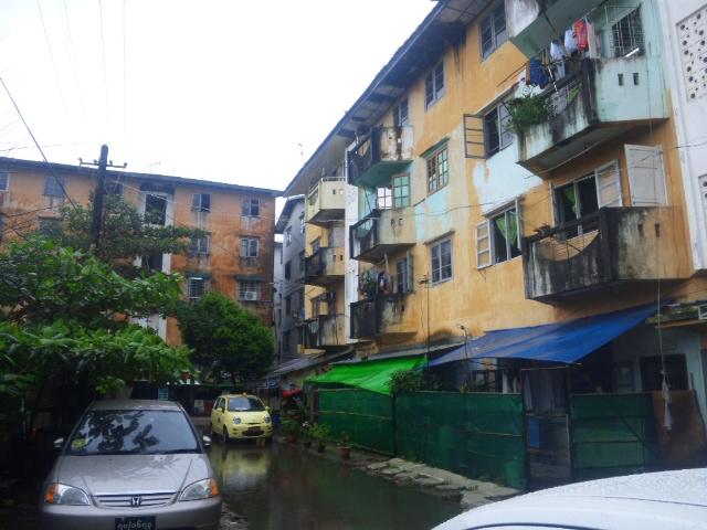 ミャンマー建築物.JPG