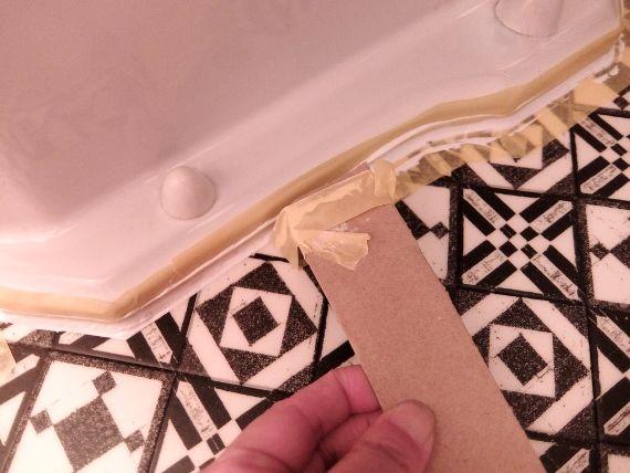 トイレのセルフリノベーション DIYでセルフリフォーム 女性でも簡単にクッションフロア貼れました コーキング
