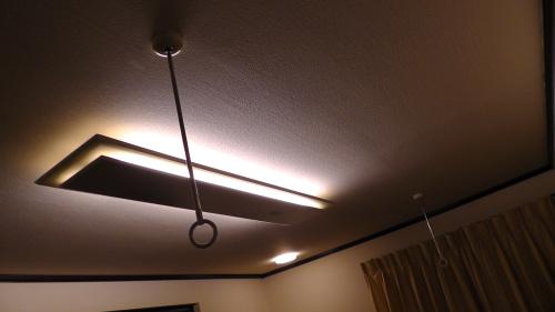 寝室の天井に追加