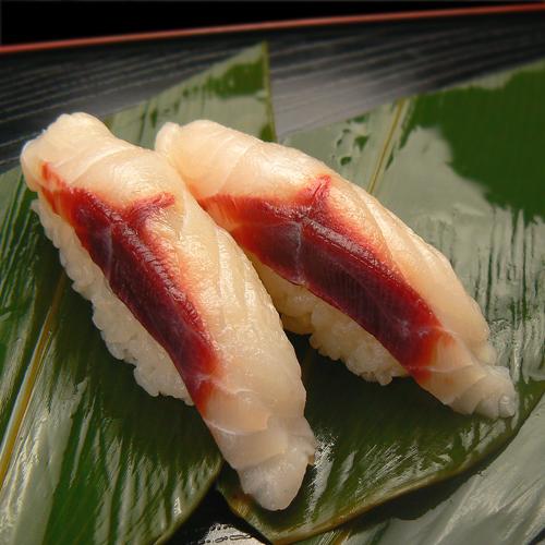 フトツノザメ 寿司.jpg