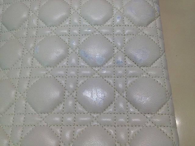 色修正・白の革 (1)