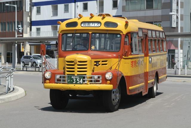 函館  いすゞ ボンネットバス