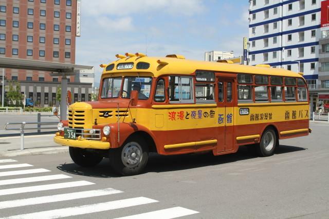 函館  いすゞ ボンネットバス2
