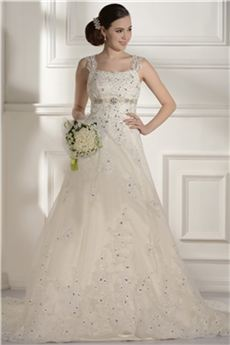 fd4be15037ba0 優雅なウェディングドレス aラインが好きだね