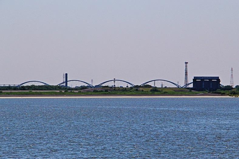 4.新三国橋と窯煙突.JPG