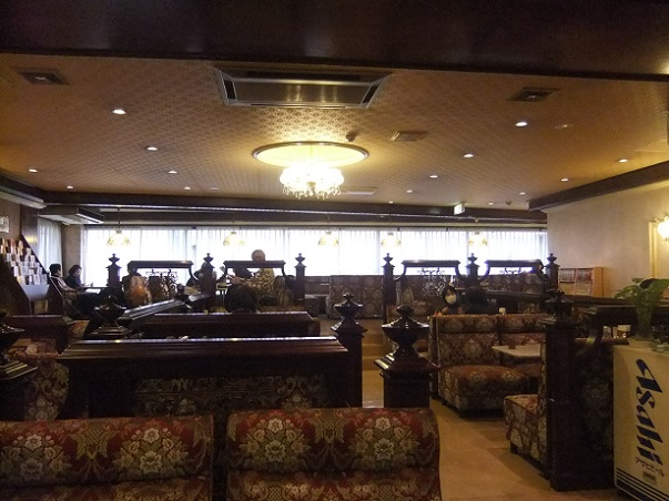 西新井栄町2丁目・喫茶シルビア西新井店の店内2