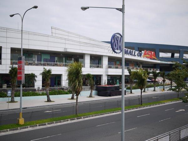 15巨大なショッピングモール モールオブアジア.JPG