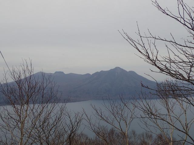 PB022575 14:23樽前山と.jpg