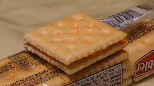 Keebler CLUB & Cheddar Sandwich Crackers Made With Real Cheddar Cheese