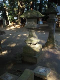 破壊石灯籠
