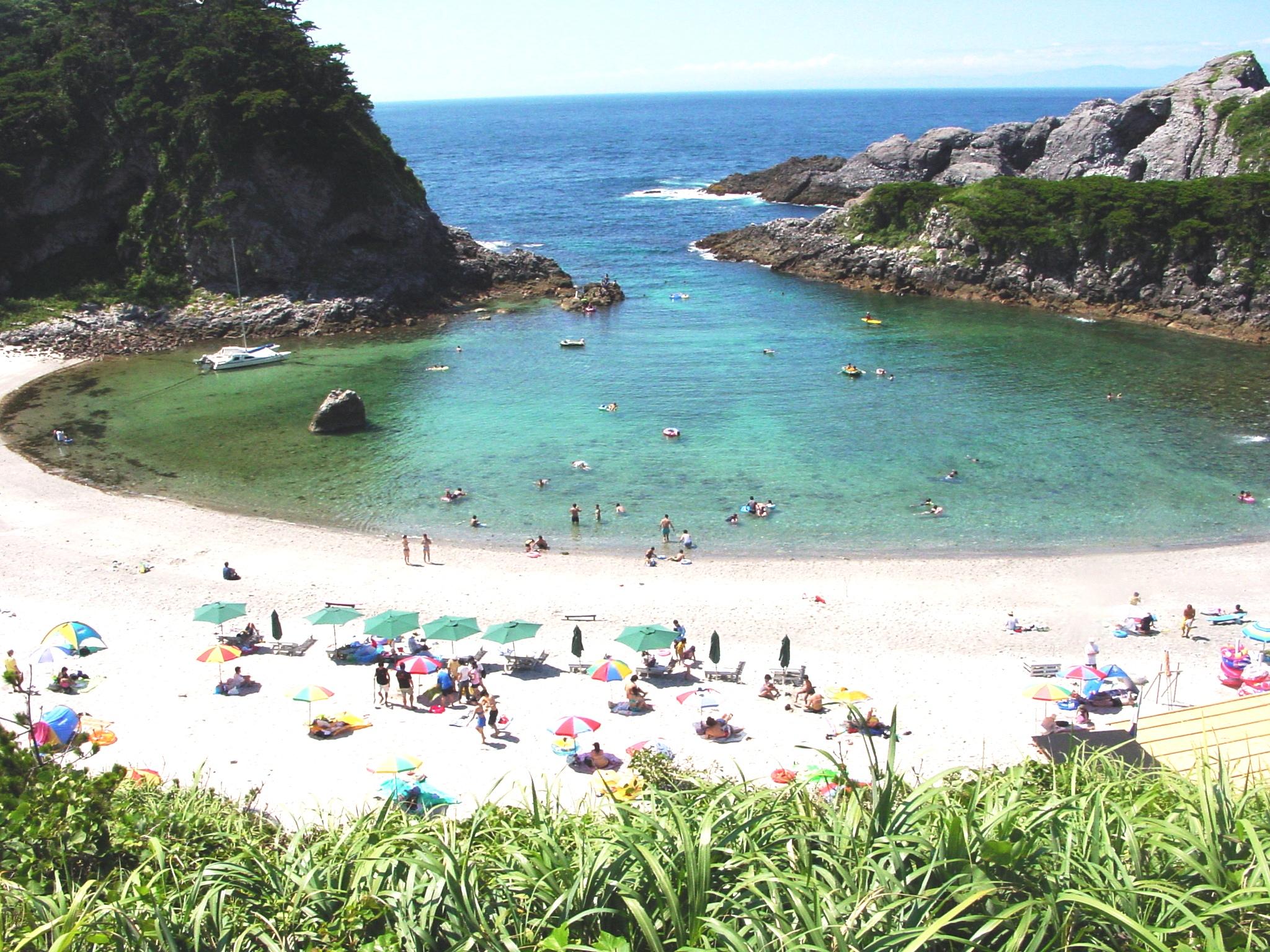 tomari_beach.jpg
