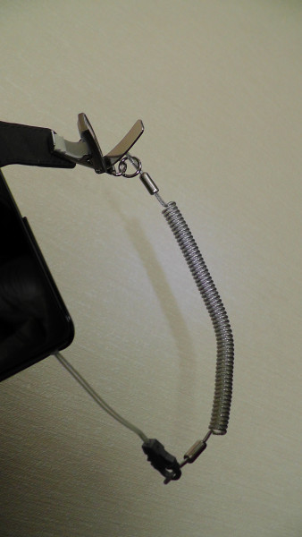 手帳型スマホケースのマグネットにクリップを付ける