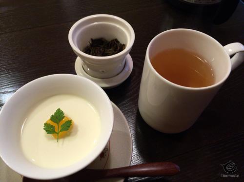 杏仁豆腐と東方美人