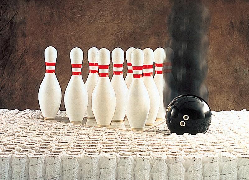 ボウリングの球を落としてみる。