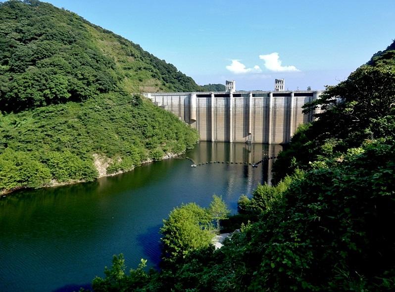 石井ダム2.JPG