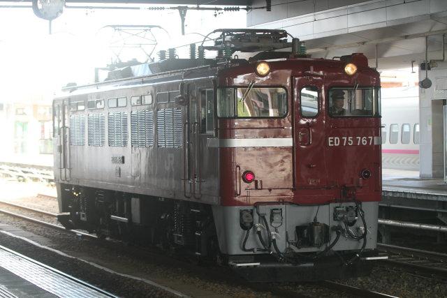 秋田駅 ED75と土崎D51保存車両