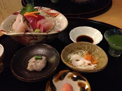 5ホテル夕食1読谷焼き2500.jpg