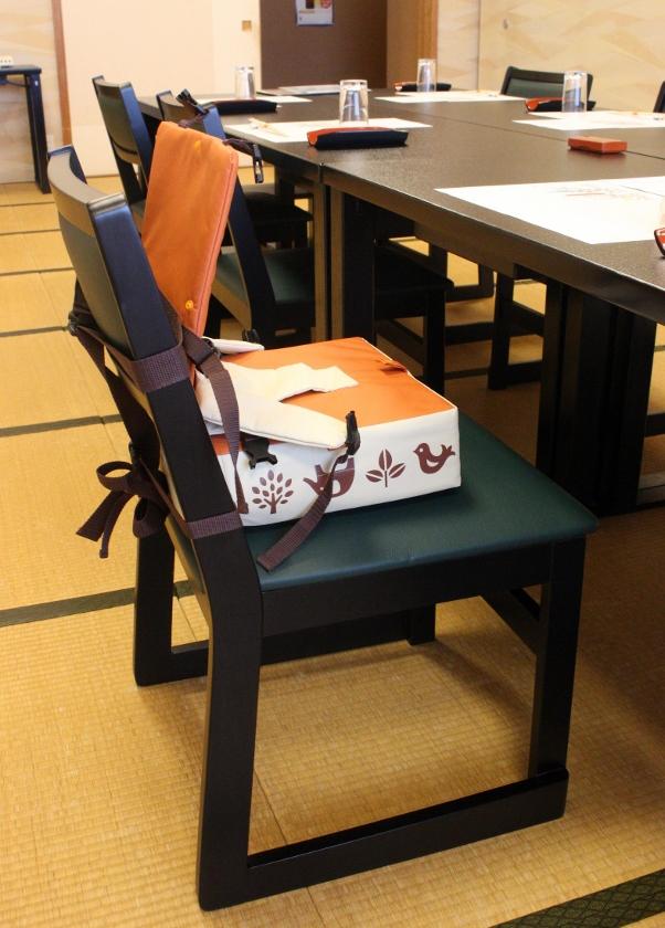 一歳 椅子.jpg