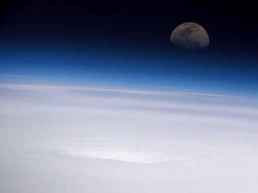 Moon1.jpg