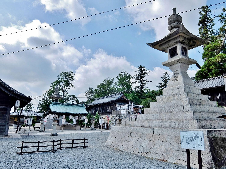 吉備津彦神社 岡山 桃太郎 日本一 大燈籠