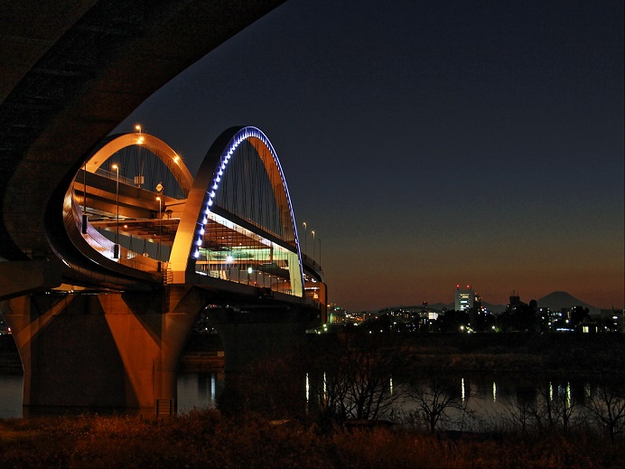 5.大橋と富士.JPG