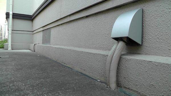 スマート防雨入線カバー WP9631S 電線引き込み