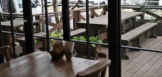 deck cafe01.jpg