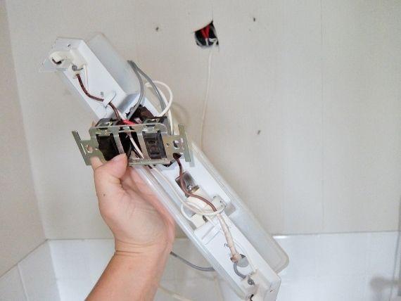 DIY 洗面所のリフォーム セルフ リノベーション はがせる壁紙 賃貸 IKEA