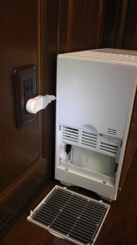 加湿器の手入れのとき、電源コードが邪魔にならない