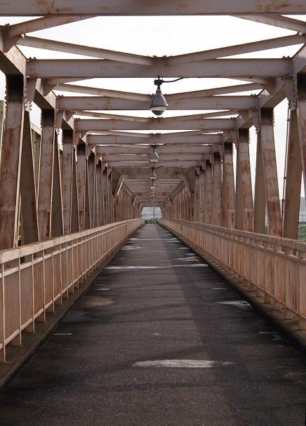 3.歩道橋.JPG