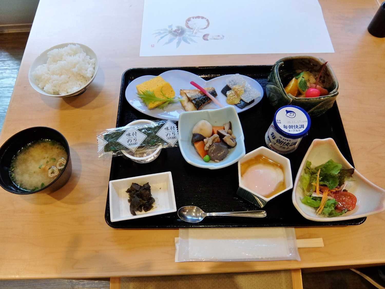 国民宿舎 湯来ロッジ 広島 こんにゃく オオサンショウウオ 食事 朝食