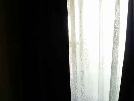 1寝室カーテン1450.jpg
