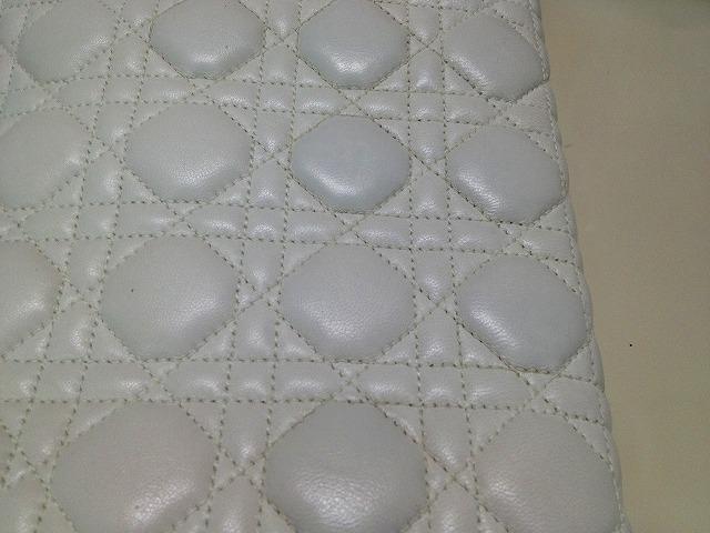 色修正・白の革 (3)