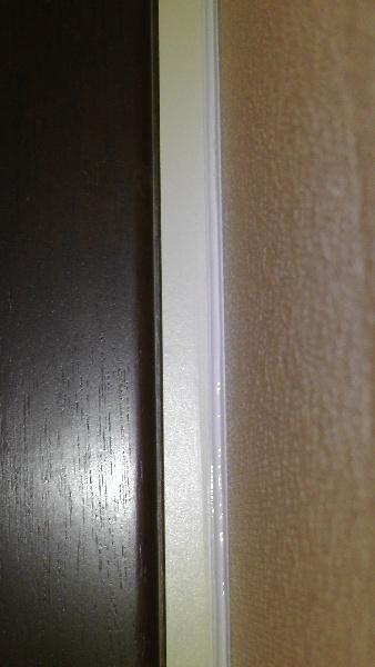 洗面化粧台の右側にあった隙間がふさがれる