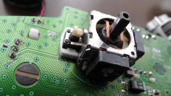 Xbox360アナログスティックの多軸スイッチ
