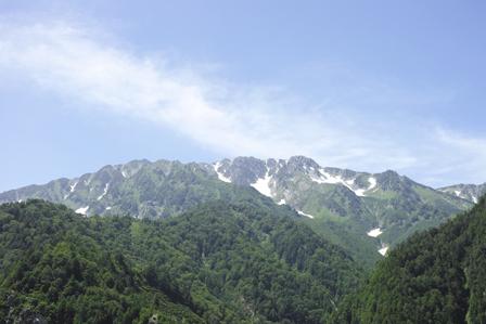 23お山の雪.jpg