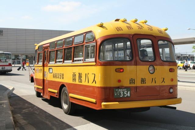 函館  いすゞ ボンネットバス3