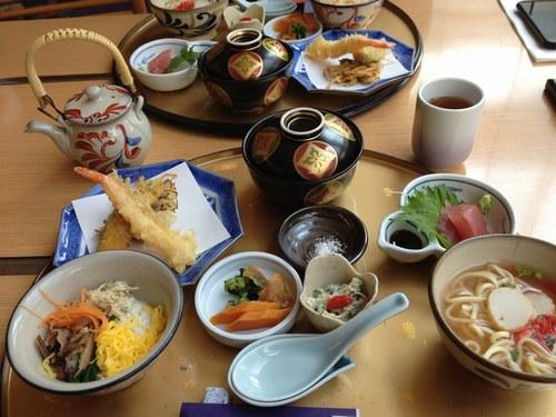 4昼食 琉球食1500.jpg