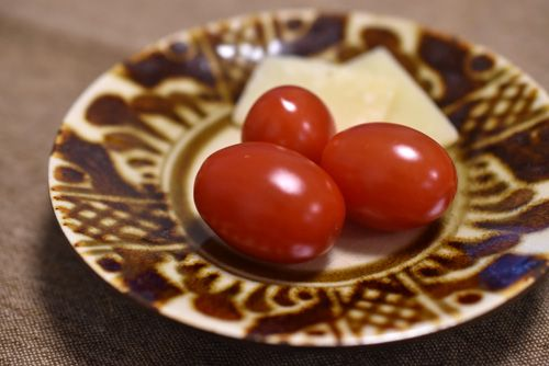 トマトとアジアーゴ