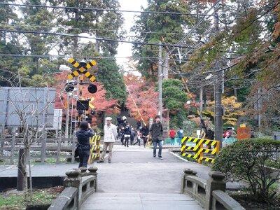 北鎌倉円覚寺踏切前2012年12月