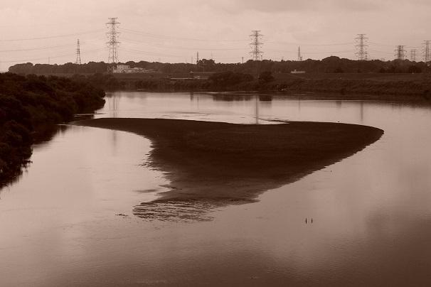 4.少水量の利根川.JPG