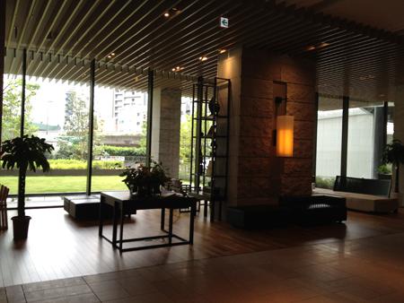 三井ガーデンホテル大阪プレミアロビー1