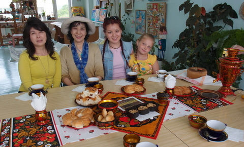 School of Russian Traditional Art  Tea Party1.jpg