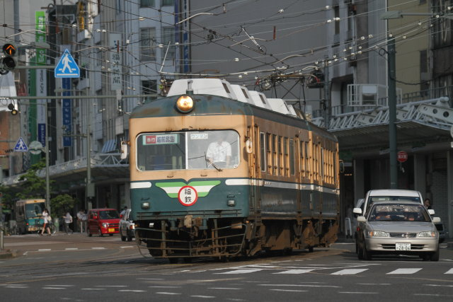 福井鉄道200形 路面を走る