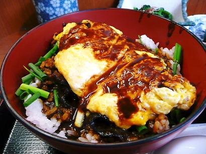 名古屋 島正のどて煮オムライス