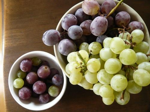 8いただきもの 混ぜ洗い葡萄 お皿付き1500.jpg