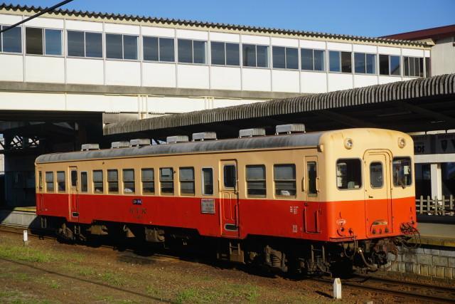 小湊鉄道 & JR 旧跨線橋の封鎖