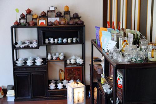 販売用の茶葉、茶器など