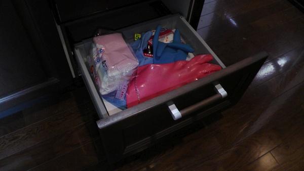 食洗機下にある引き出しの整理